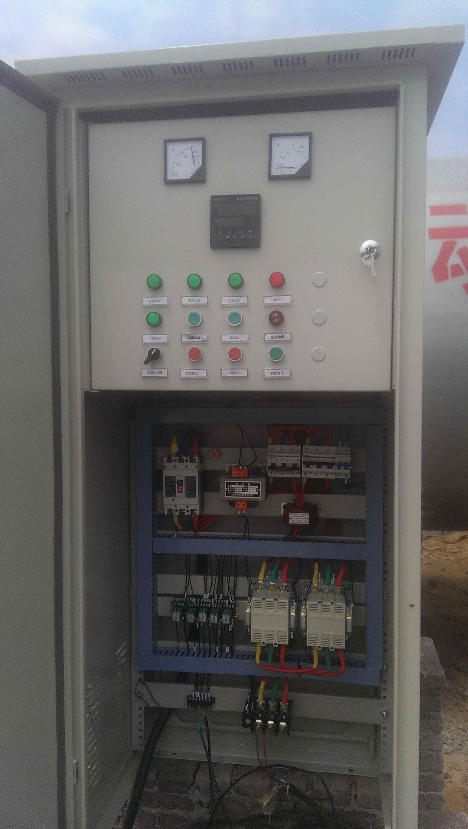 工业电气自动化项目的设计、安装、调试;工厂自动化生产线的维护、保养;交、直流传动电气控制系统;变频节能改造、恒压供水、恒压供风;计算机监控等。 全自动无塔变频恒压供水系统  本系统为是广泛应用于各种企事业单位、工厂、居住生活小区等环境,采用变频恒压控制,使用压力传感器或者远传压力表对水罐温进行压力检测,可在压力控制器上随时设定使用压力,当设定压力高于检测压力,输出信号加大,潜水水泵加速运行,若设定压力低于检测压力时减小信号,潜水水泵降低速度,形成整个闭环控制,自动控制压力恒定。在控制器上可随时监控设定压力